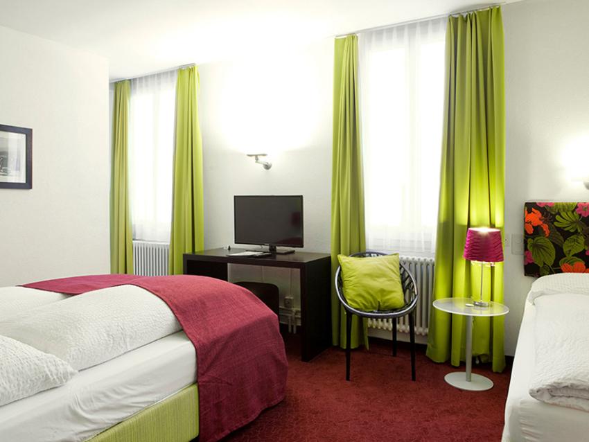 Classic Hotel Stanserhof 3 Bett Zimmer 4 3
